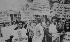 Phyllis Schlafly pickets Jimmy Carter's White House